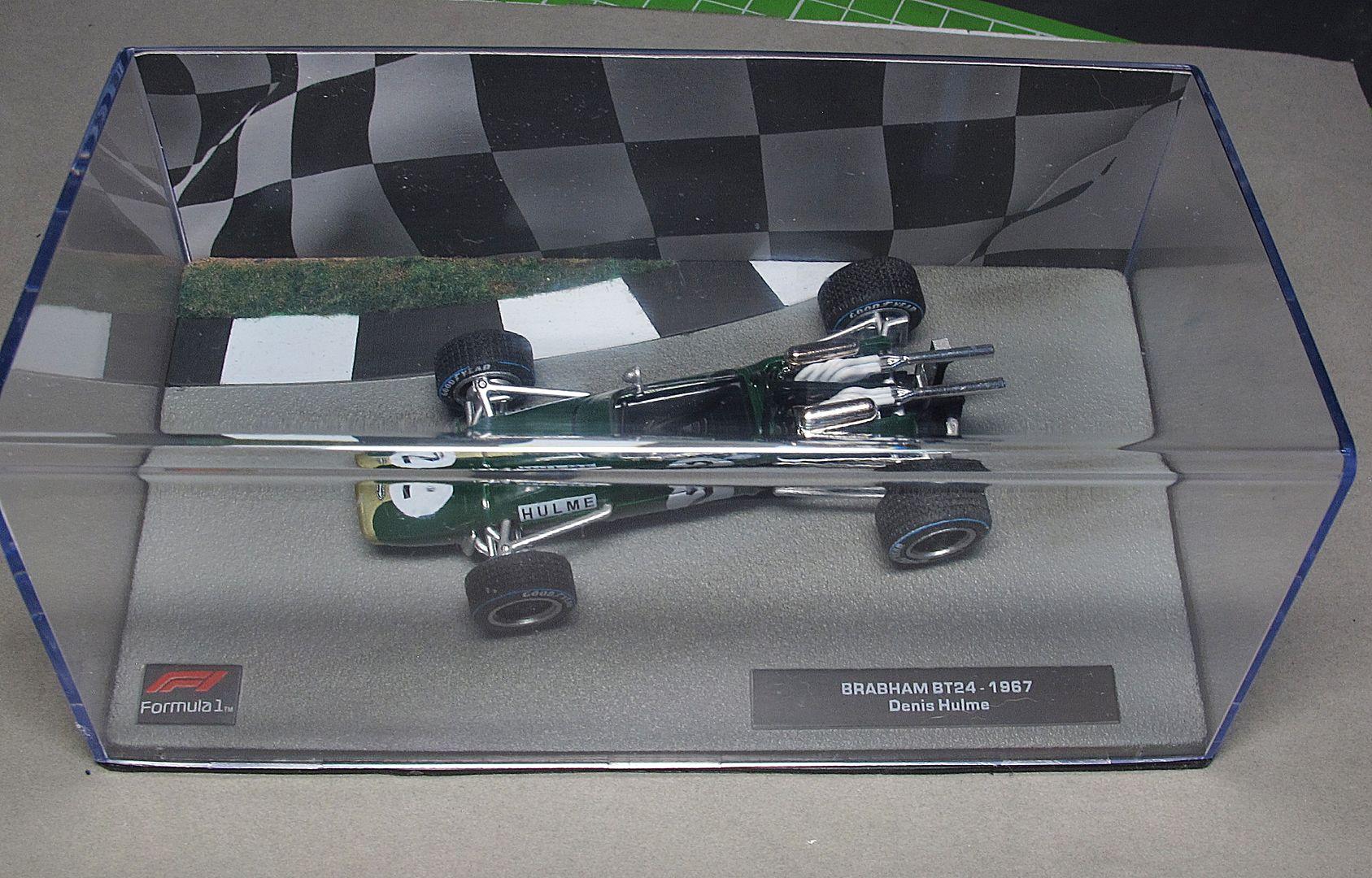 Formula 1 №23 - Brabham BT24 Денни Халм (1967)